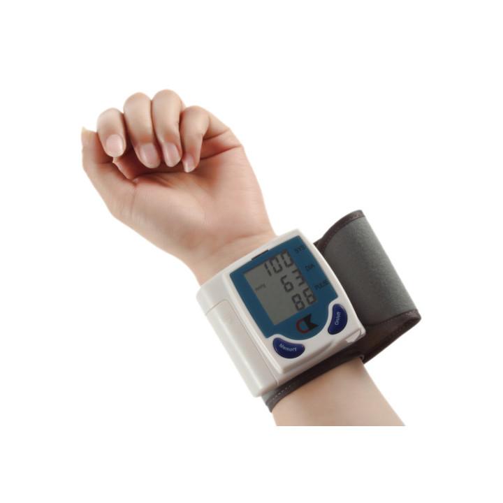 Portable digital home polso monitor di pressione sanguigna orologio senser, beat cardiofrequenzimetro, display lcd 60memories.