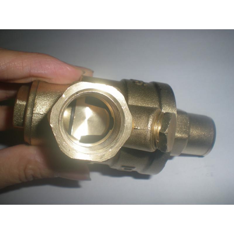 Pressure reducing valve regulator limiting water 1/2 ff 15