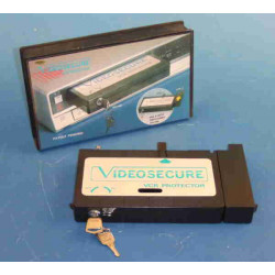 Cassette protect video tape recorder