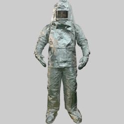 Coverall in aluminium resist to heat up to 1000°c agreement ga88 94 protection gloves helmet