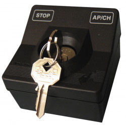 Key selector mounting device for automatism motorisation gate