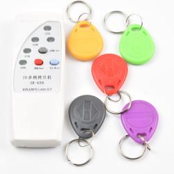4 Frequenz RFID Kopierer / Duplicator / Cloner ID EM Leser & Schriftsteller + 5pcs EM4305 T5577 beschreibbaren Keyfob